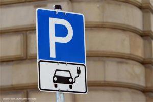 parkplatzschild-elektro-auto